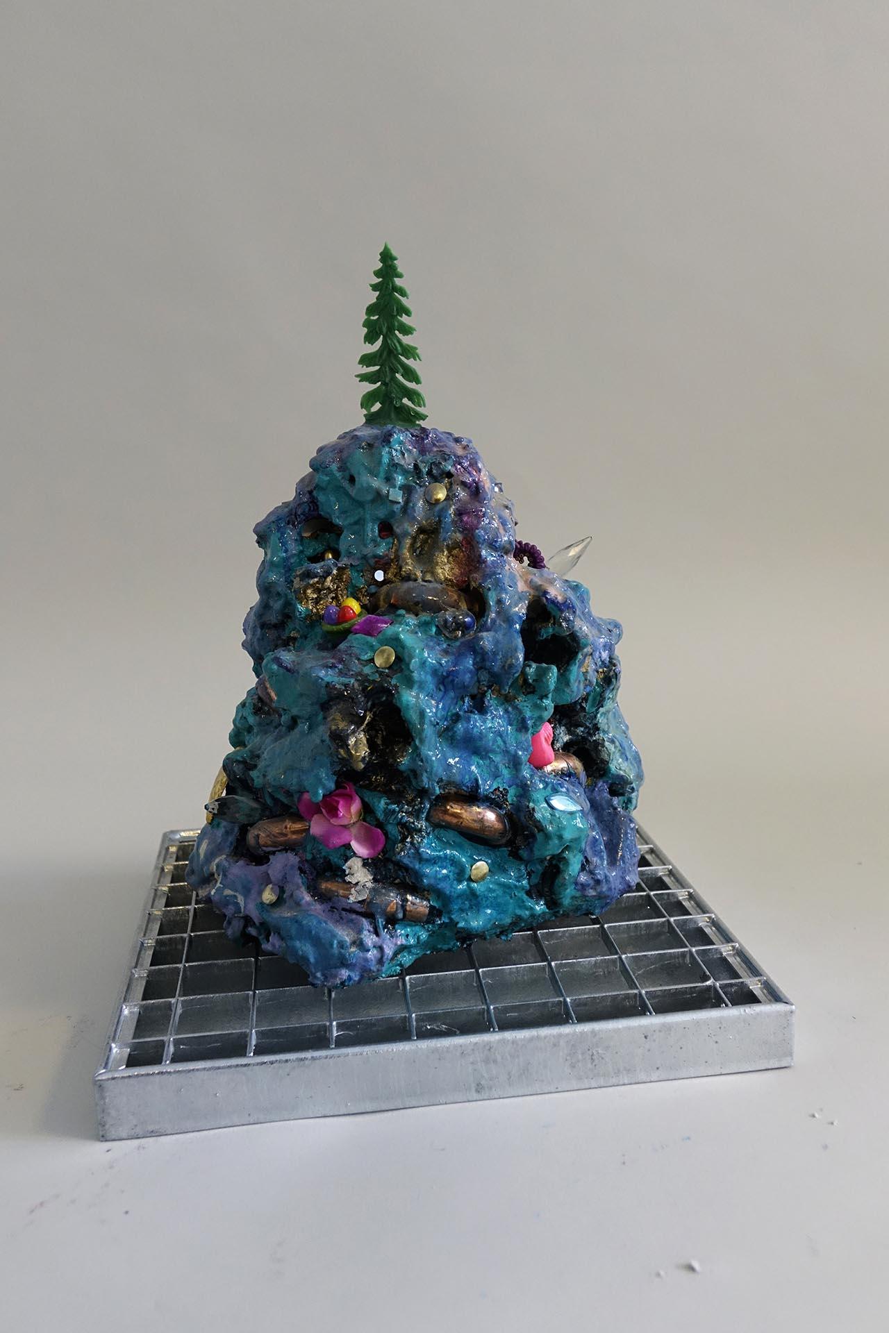 Violetta Ehnsperg | Moglis Tree | 34x24x23cm | Galerie3