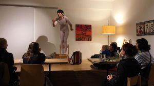 Martha Labil zu Gast im Magdas   Ausstellung Ernst Schmid   Julia Rakuschan   Flux23